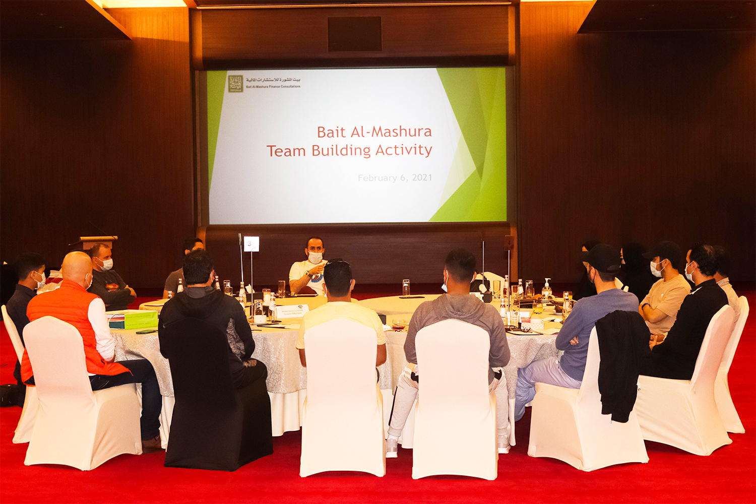 Bait Al-Mashura organizes an interactive workshop for employees